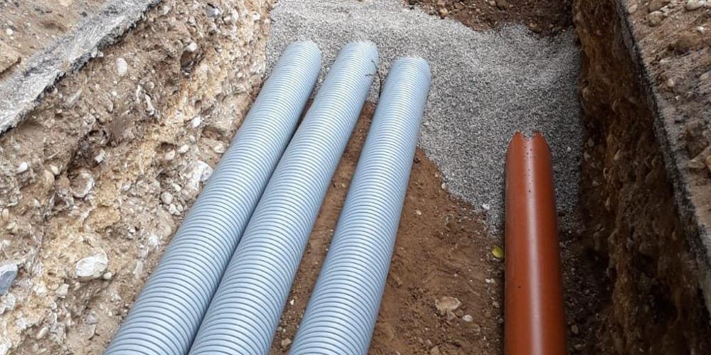 scavi per posa fognatura e acquedotto